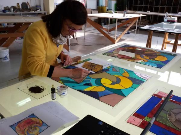 Fasi di pittura in studio con Simonetta Montagna.